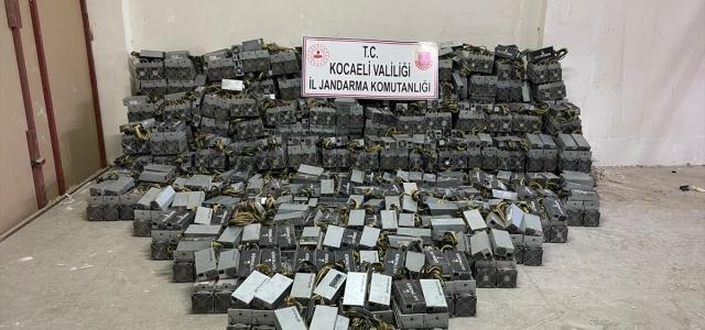 Kocaeli'de yasa dışı kripto para üretim tesisindeki 650 cihaza el konuldu