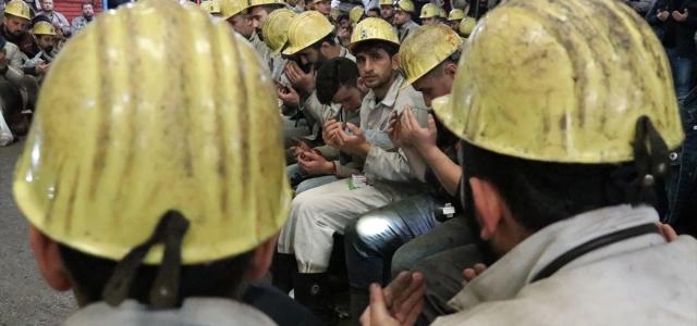 Kömür karası eller Mehmetçik'e dua için açıldı