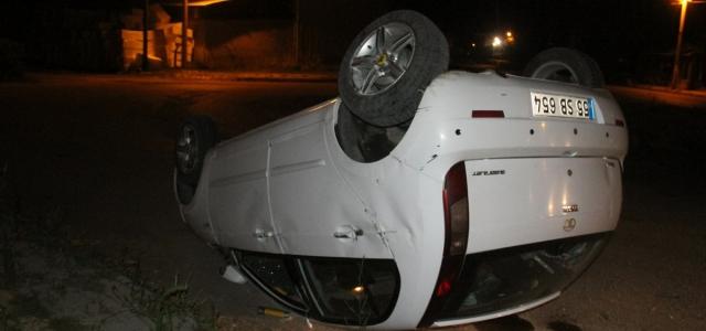 Köpeğe çarpmamak isterken otomobil devrildi: 3 yaralı