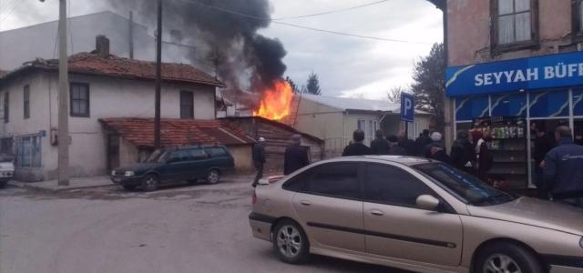 Mengen'de evde yangın