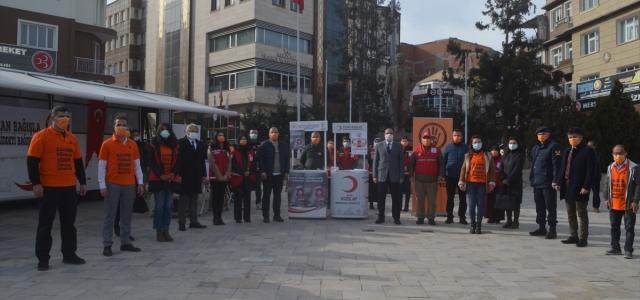 """Merzifon'da """"Kan Bağışla Şiddeti Bağışlama"""" kampanyası"""