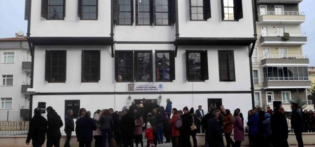 Merzifon'da, Zübeyde Hanım Kadın Kültür Evi açıldı