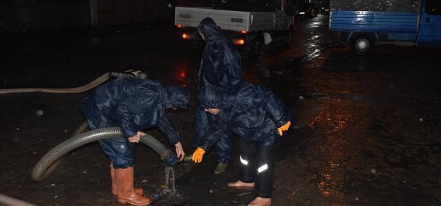 Ordu'da sağanak nedeniyle bazı iş yerlerini su bastı
