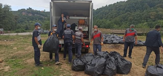 Ordu'da temizlik işçilerinden çevreye bırakılan çöplere Karadeniz şivesiyle tepki
