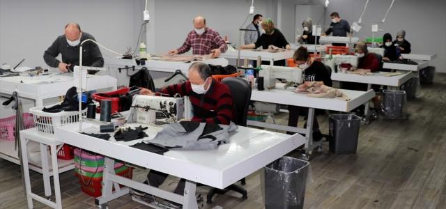Safranbolu'da üretilen deri kıyafetler, dünyanın dört bir yanına gönderiliyor