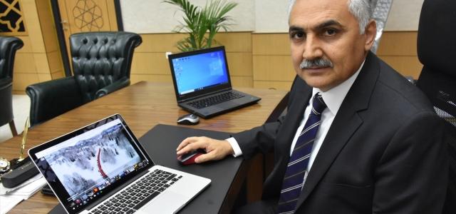 """Samsun Emniyet Müdürü Ömer Urhal AA'nın """"Yılın Fotoğrafları"""" oylamasına katıldı"""