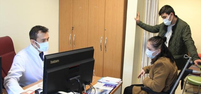Samsun'da görevli doktor 1,5 ayda iki kez yakalandığı Kovid-19'u yendi
