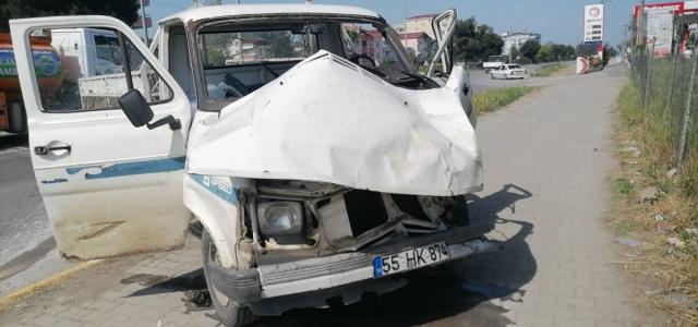 Samsun'da kamyon ile kamyonet çarpıştı: 6 yaralı