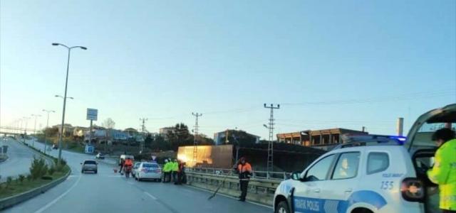 Sinop'ta aydınlatma direğine çarpan otomobilin sürücüsü yaralandı