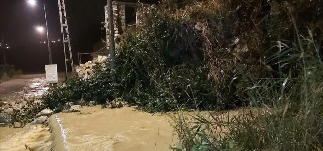 Sinop'ta şiddetli yağış su baskınlarına neden oldu