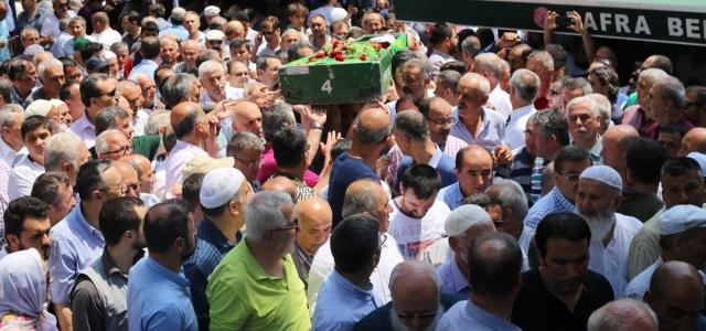 Sinop'ta trafik kazasında ölen doktorun cenazesi toprağa verildi