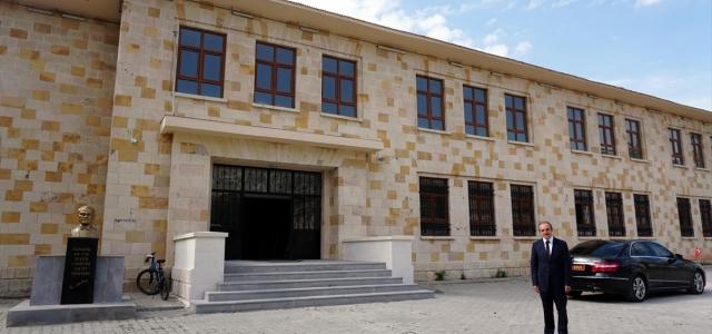 Tarihi lise binası restore edildi