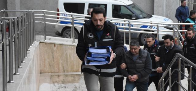 Tefecilik operasyonunda yakalanan 11 şüpheli adliyeye sevk edildi