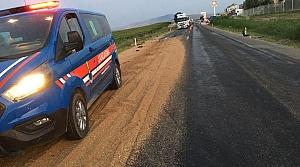 Amasya'da kamyon ile tır çarpıştı: 2 yaralı