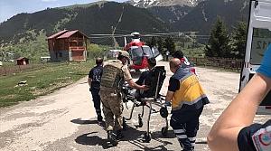 Artvin'de mantardan zehirlenen kişi ambulans helikopterle Trabzon'a götürüldü