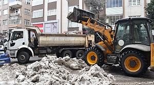 Ereğli'de kar temizleme çalışmaları sürüyor