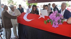 Eski milletvekili Karadeniz, toprağa verildi