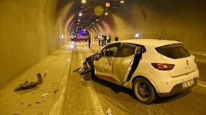 Gümüşhane'de kamyonet ile otomobil çarpıştı: 3 yaralı