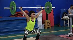Kadın milli haltercilerin gözü madalyada
