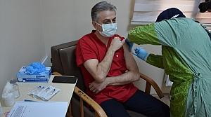 Karabük, Düzce, Bolu, Bartın ve Zonguldak'ta CoronaVac aşısı sağlık personeline uygulanmaya başlandı