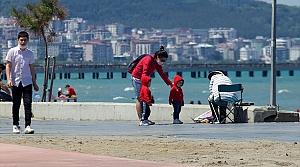 Karadeniz'de çocuklar dışarıda olmanın tadını çıkardı