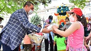 Kastamonu Belediyesinden çocuklara bayram hediyesi