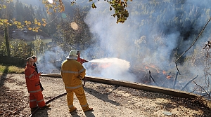 Kastamonu'da iki katlı ahşap evde yangın: 1 yaralı