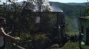 Kastamonu'da köyde çıkan yangında 2 ev ve bir ambar yandı