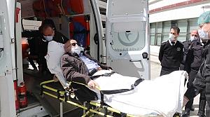 Kastamonu'nun ilk vakası olan 60 yaşındaki kişi koronavirüsü yenerek alkışlarla taburcu edildi