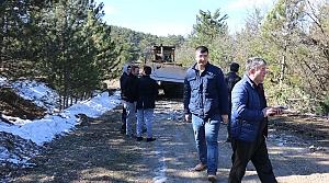 Mudurnu-Nallıhan kara yolundaki heyelan temizleme çalışmaları
