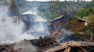 Ordu'da 4 ahşap ev yandı