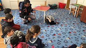Rize'de AFAD ekipleri öğrencilere eğitim verdi