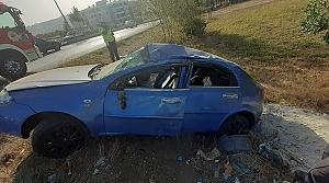 Samsun'da devrilen otomobildeki komiser yardımcısı ve eşi yaralandı