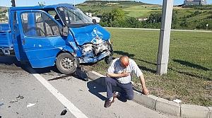 Samsun'da kamyonet ile otomobil çarpıştı: 3 yaralı
