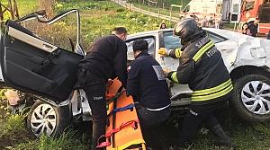 Samsun'da otomobil bahçeye devrildi: 3 yaralı