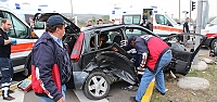 Hasta taşıyan ambulans kaza yaptı: 5...