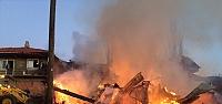 Köyde çıkan yangında 5 ev...
