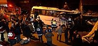 İşçi servisi eve çarptı: 4 ölü, 2...
