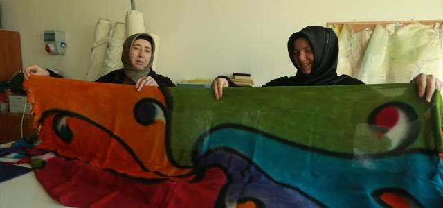 Tokat'ın yazma motifleri işlendiği kumaşlara hayat veriyor