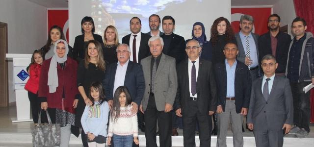 Tokat'ta öğretmenler şiir okudu