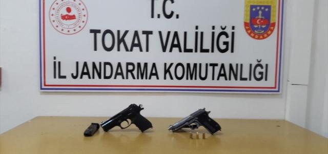 Tokat'ta ruhsatsız silahla yakalanan 2 kişi gözaltına alındı