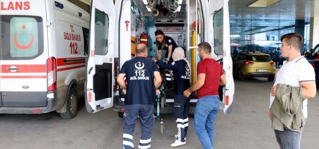 Tomruk altında kalan kişi ağır yaralandı