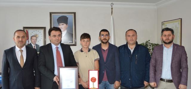 Türkiye birincisi ortaokul öğrencisinden Kaymakam Yılmaz'a ziyaret