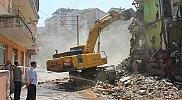 İstimlak edilen inşaat halindeki bina yıkıldı