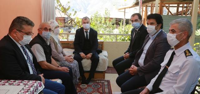 Vali Doruk'tan şehit ailesine ziyaret