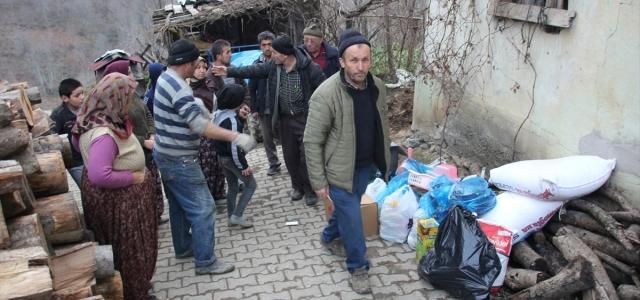 Vatandaşlar evi yanan aileler için yardım kampanyası başlattı