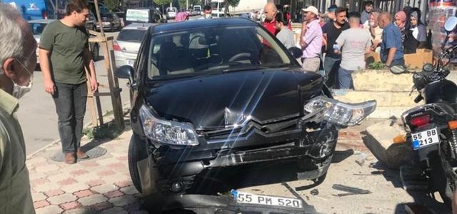 Vezirköprü'de trafik kazası güvenlik kamerasında