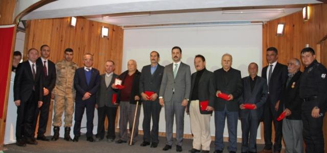 Yağlıdere'de 8 Kıbrıs gazisine madalya ve berat verildi