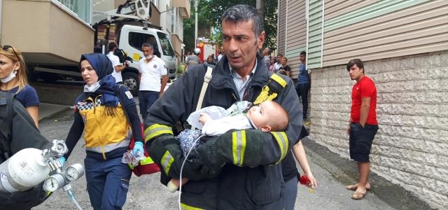 Yangında dumandan etkilenen bebek tedaviye alındı