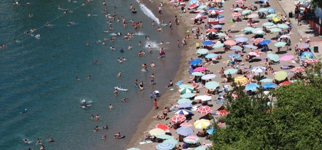Zonguldak sahillerinde bayram tatili yoğunluğu
